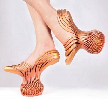 3D打印减震高跟鞋 穿着走路如置身云端