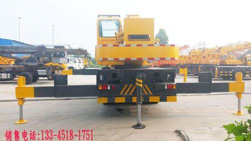福田16吨吊车
