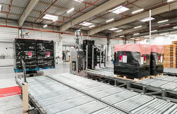 达能集团优化升级依云工厂的装载搬运平台
