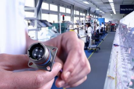 Esterline Connection Technologies - SOURIAU拥有范围广泛的光纤解决方案