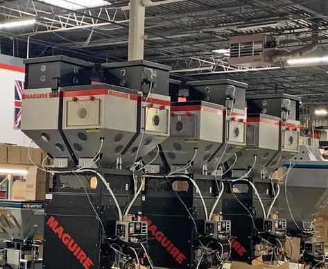 用于大容量混料机的旋转式破架桥装置为流动性最差的材料提供一致的配料控制